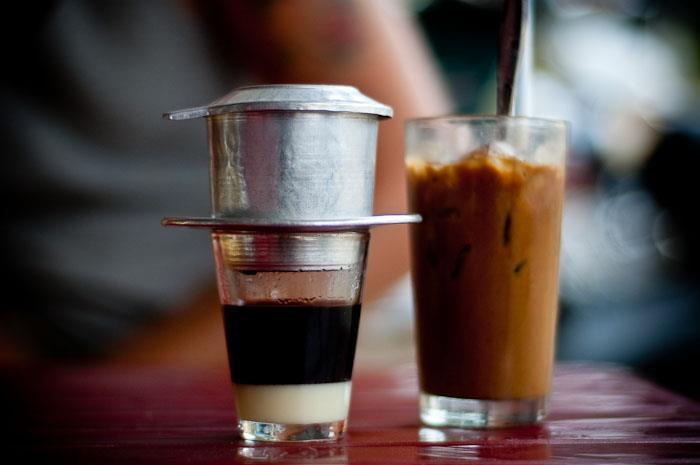 Khác biệt giữa văn hóa cà phê của người Hà Nội và người Sài Gòn