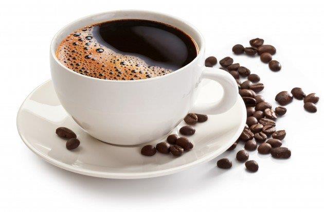 Làm sạch mặt bằng nước cà phê nguyên chất