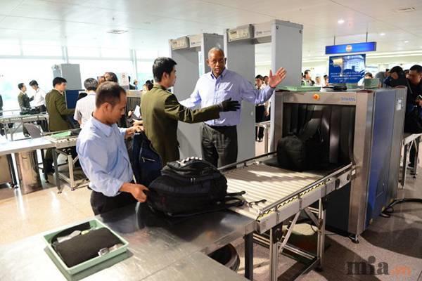 Những đồ không được mang lên máy bay