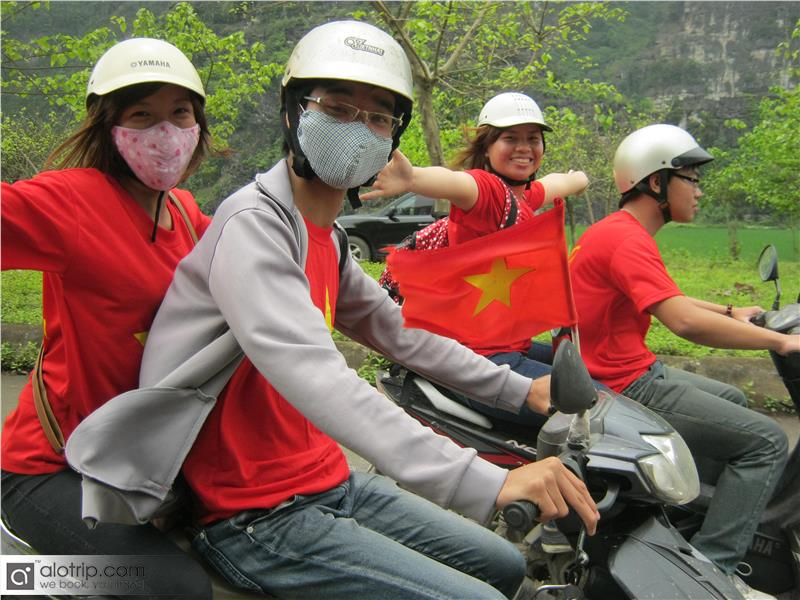 Travel to Ba Be National Park by Motorbike