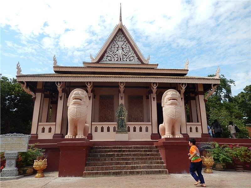 Indochina tour to Wat Phnom in Cambodia