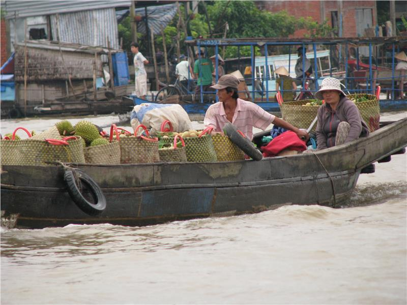 Cai Be Floating Market in Can Tho