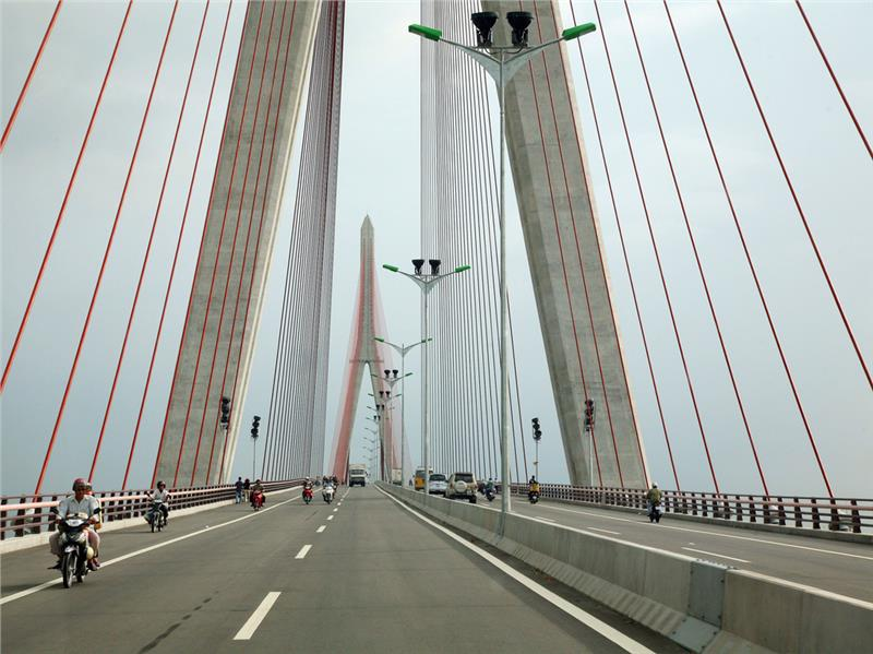 On Can Tho Bridge