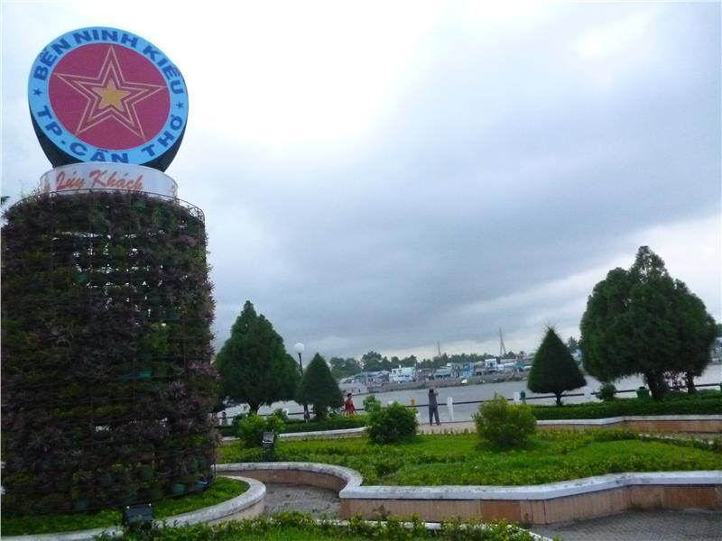 Ninh Kieu Pier