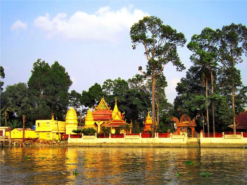 Pothi Somron Pagoda in O Mon, Can Tho