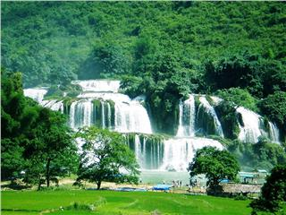 Ban Gioc Waterfall listed in top world amazing waterfalls