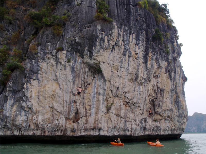 Interesting activities in Cat Ba Island