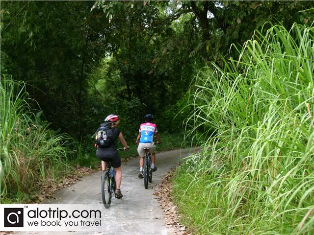 discovering by cycling in Cat Tien National Park