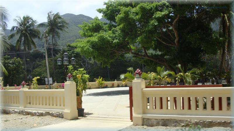 Entrance into An Son Temple
