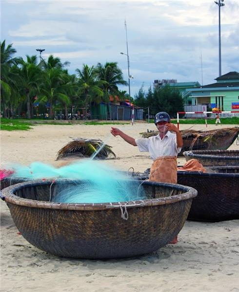 Corackle boat - Pham Van Dong Beach