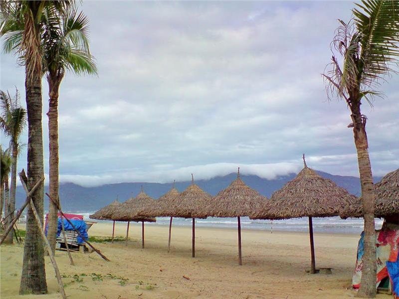 Pham Van Dong Beach