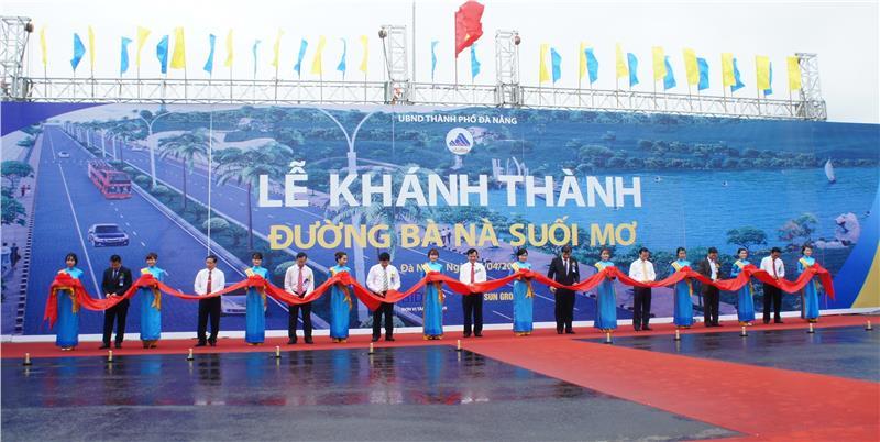 Opening ceremony of Ba Na - Suoi Mo Road