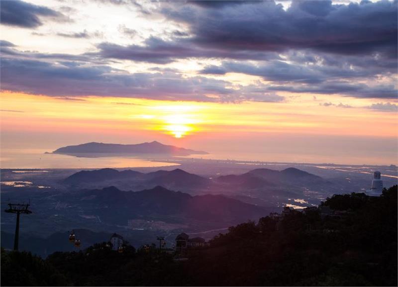 Ba Na Hills at dawn