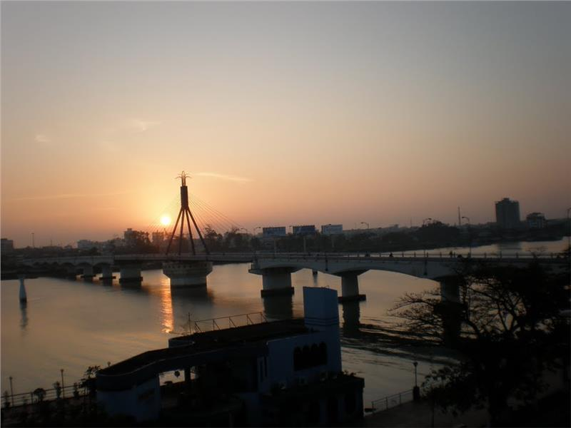 Dawn on Han River Bridge