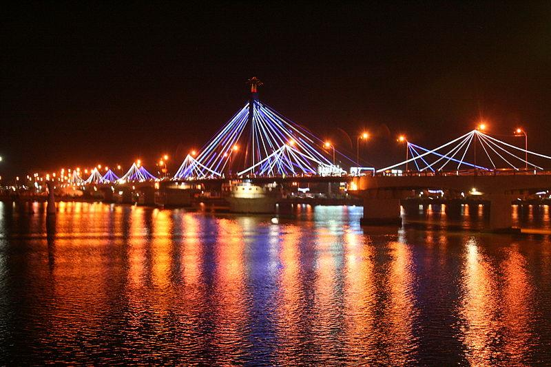 Sparking lights on Han River Bridge
