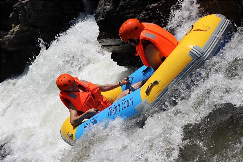 Hoa Phu Thanh - Waterfall sliding tourism