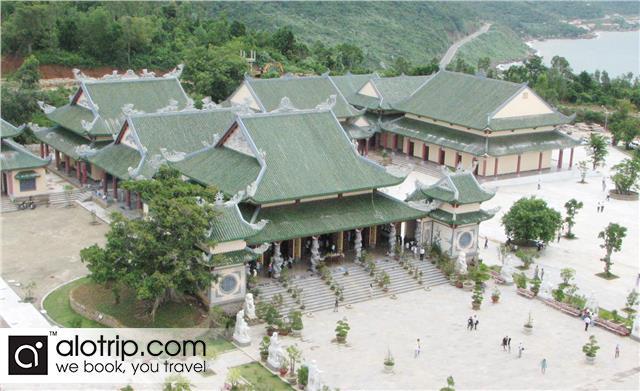 Linh Ung Pagoda Panorama