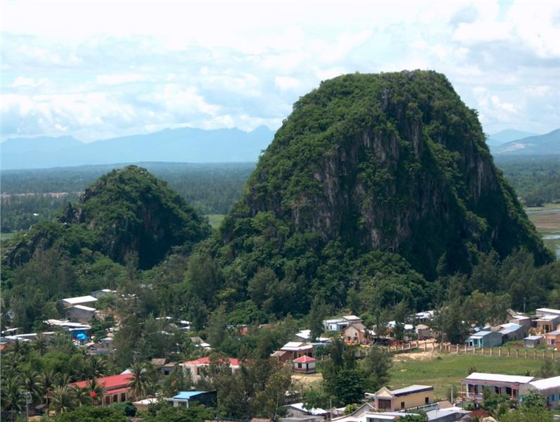 Hoa Son in Marble Mountains