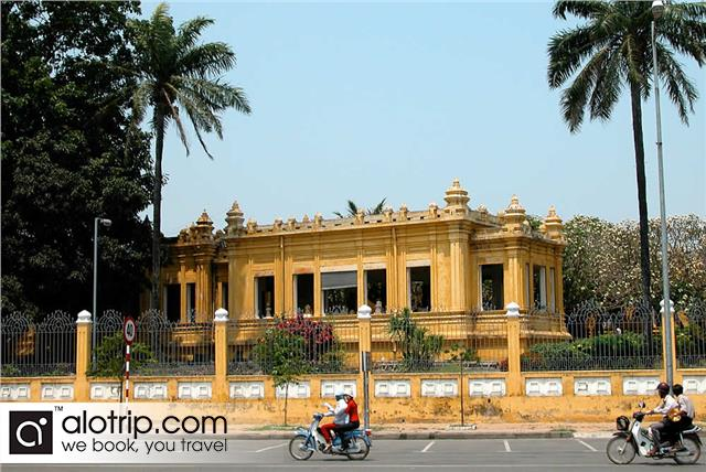 Vietnam Travel Guide discovering Cham Museum in Danang