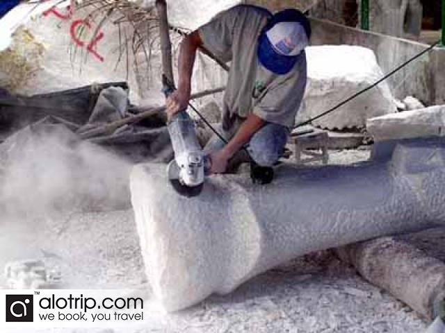 a stone carver in  Non Nuoc stone carving village