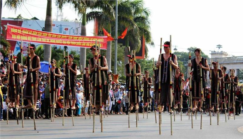 walking on stilts in Buon Ma Thuot Coffee Festival