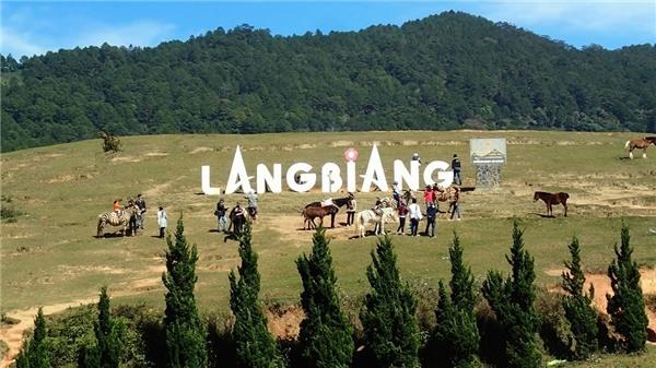 Trải nghiệm leo lên đỉnh núi Liang Biang