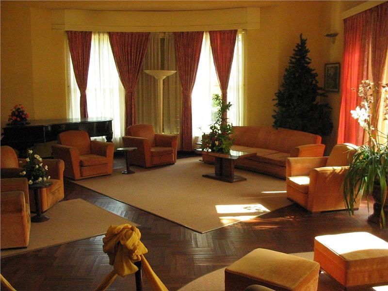 Bao Dai Summer Palace - Reception Room
