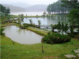Tourist attractions in Dalat City welcome summer