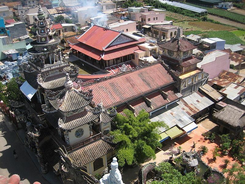 Panoramic view of Linh Phuoc Pagoda