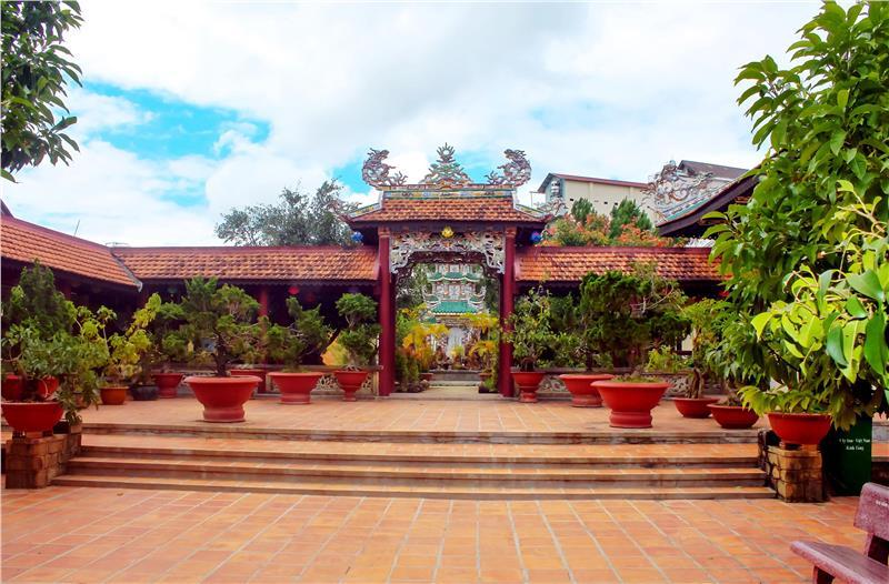 Linh Son Pagoda in Dalat