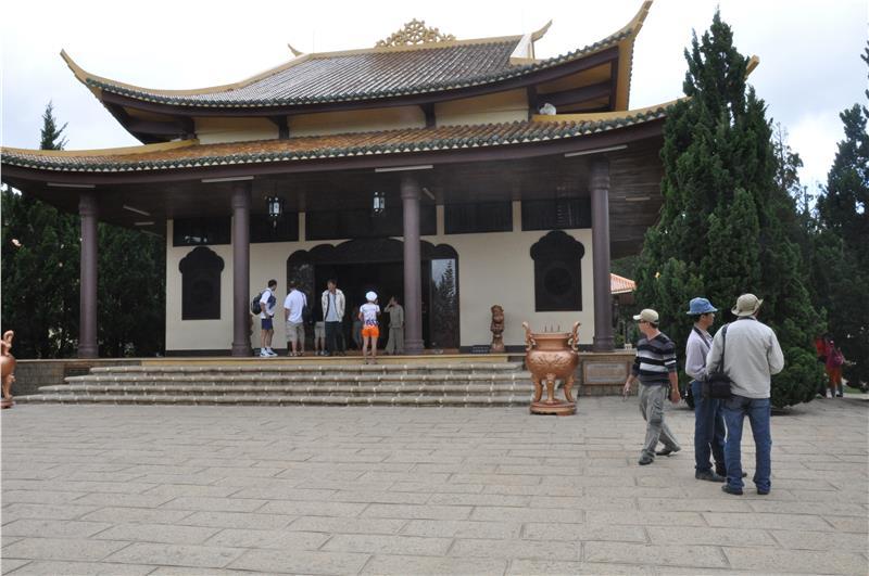Dalat - Truc Lam Monastery