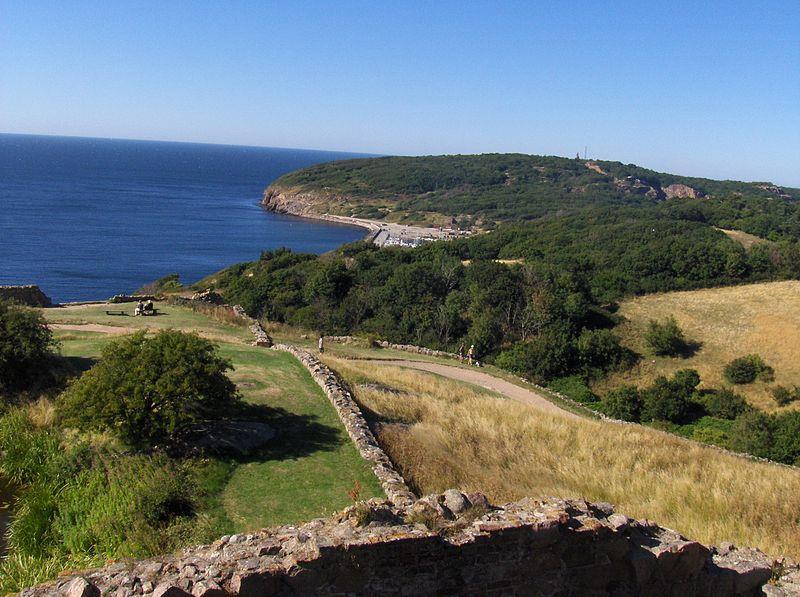 Hammeren nhìn từ Pháo đài Hammershus