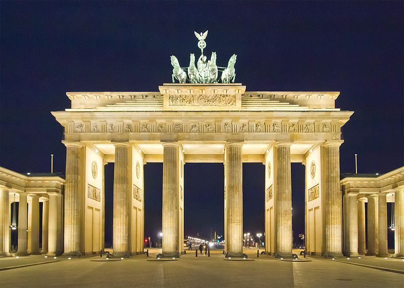 Cổng Brandenburg ở Béc-lin về đêm
