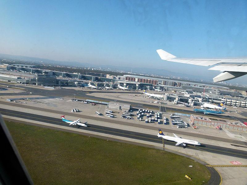 Sân bay Frankfurt nhìn từ trên cao