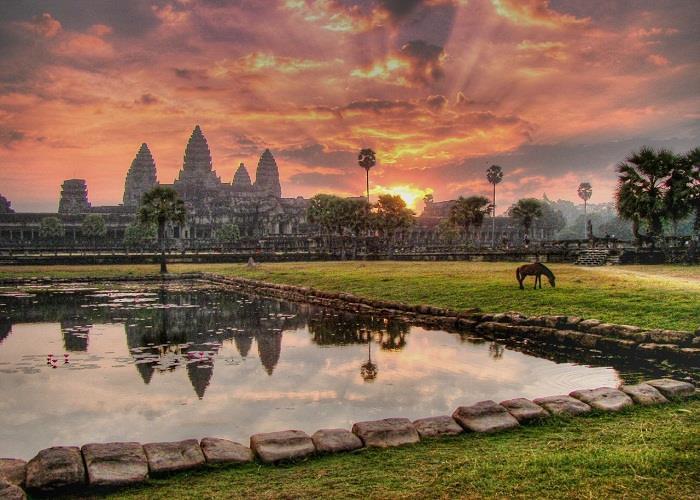 Angkor Wat – di sản UNESCO ngay sát Việt Nam mà dân du lịch không thể bỏ qua!