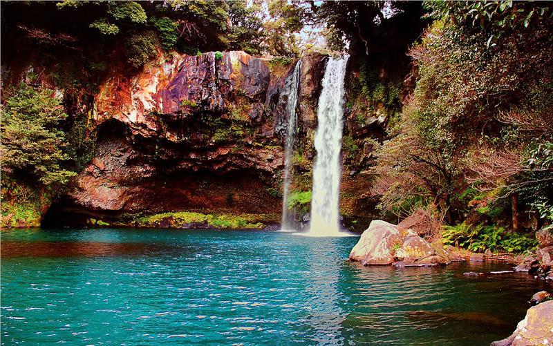 waterfall-on-jeju-island-korea-166.jpeg