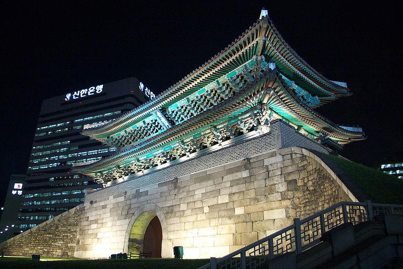 sungnyemun-or-namdaemun-at-night-in-seoul-264.jpeg