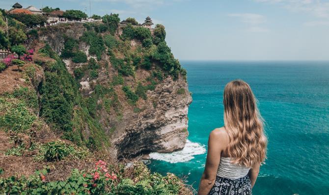Biển cả Bali luôn là thiên đường cho mọi du khách đến để tận hưởng