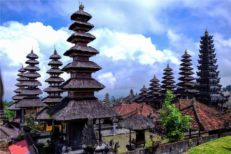Vẻ đẹp đồ sộ của quần thể đền xung quanh Besakih