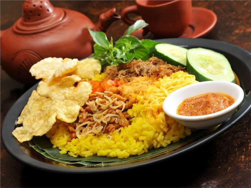 Món Nasi Kuning