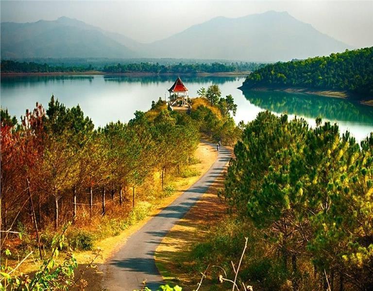 Vẻ đẹp thơ mộng của Biển Hồ