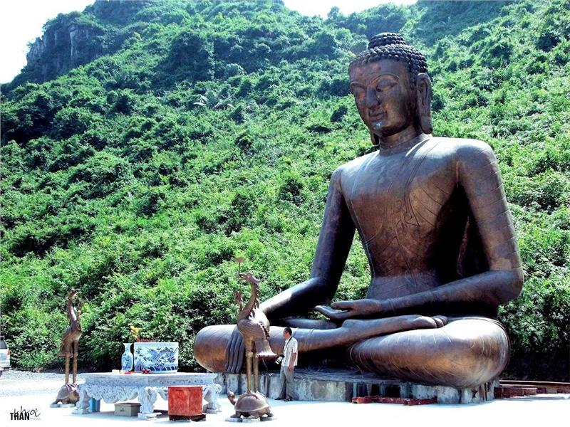 Amitabha Statue