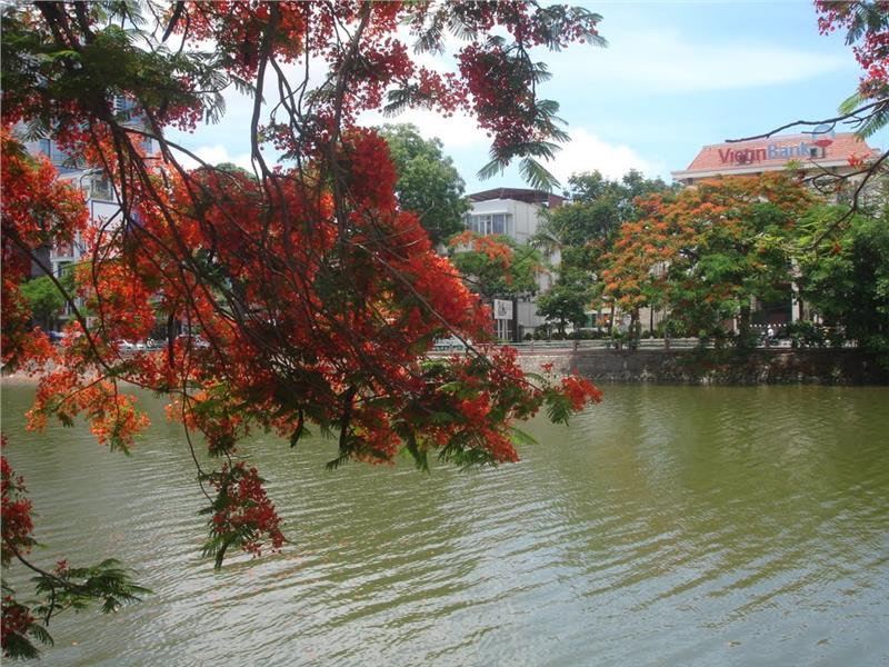 Write about vietnam weather in september