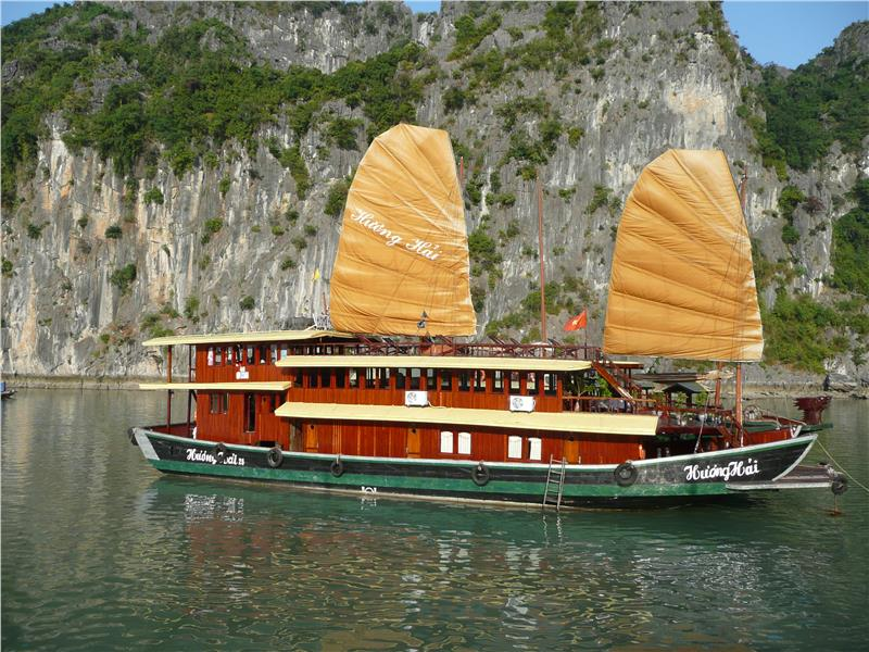 A junk on Halong Bay