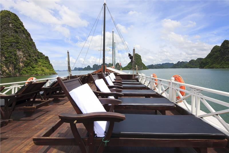 Halong Bay cruises - 2015 sea tourism trend