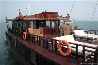 Bai Tu Long Junk Halong Bay