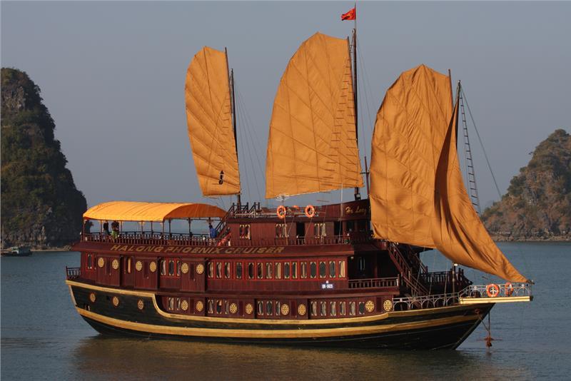 Phoenix Cruise Halong