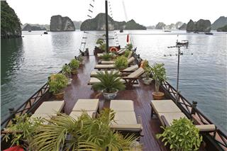 Phoenix Luxury Cruise Halong Bay