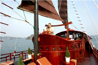 Red Dragon Cruise Halong Bay