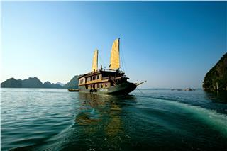 Valentine Cruise Halong Bay